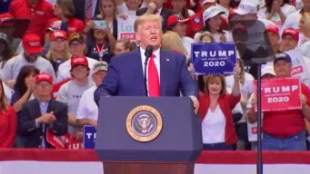 Trump se presentó ante cientos de simpatizantes en Dallas