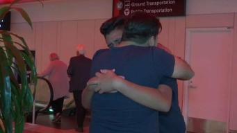 Padre salvadoreño se reencuentra con hijo tras 13 años