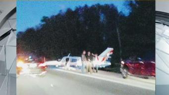 Avioneta aterriza en autopista en Rhode Island