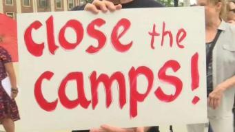 Protestan por condiciones de migrantes en centros de detención