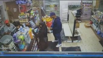 Buscan sospechosa de robar gasolinera en Providence