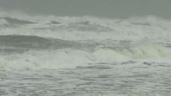 Sigue en pie advertencia de huracán en Florida