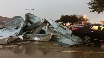 En video: viento arranca un techo como si fuera papel
