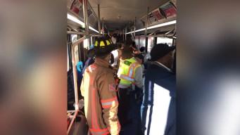 Accidente entre un autobús y van deja 11 heridos