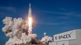 SpaceX intenta nuevamente lanzamiento de Falcon Heavy