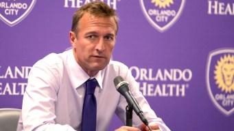 Despiden al entrenador del equipo de fútbol Orlando City
