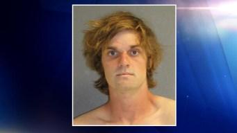 Capturan a hombre acusado de acosar a su ex novia e hijos