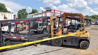 Hombre muere tras ser aplastado por rampa de un camión