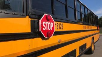 Precaución alrededor de las paradas de autobuses