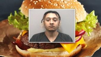 Arrestan a acusado de cachetear a su novia con hamburguesa