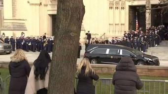 Último adiós a Bush: cientos honran su memoria en la capital