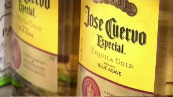 Universidad podría permitir alcohol dentro de dormitorios