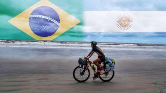 Viaja más de 2 mil millas en bicicleta para ver a Argentina