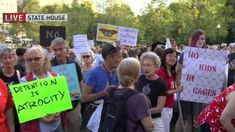 Miles exigen en Boston cierres de centros de detención