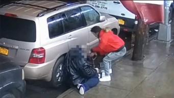 Arrestan hombre por salvaje golpiza