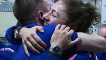 En cámara: los increíbles abrazos en el espacio