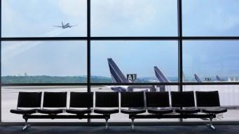 Llegan a compromiso para cambiar nombre de aeropuerto de Rhode Island