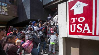 Unos 40,000 esperan en México para pedir asilo en EEUU