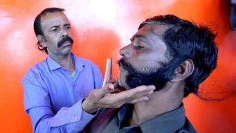 El bigote del piloto que hace furor entre millones