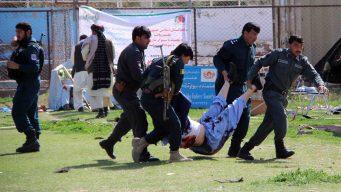Bombazos talibanes en estadio dejan muertos y heridos
