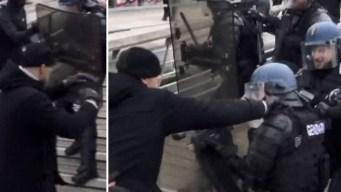 En video: exboxeador pelea mano a mano contra policías