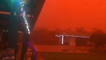 Apocalíptico video: el cielo se tiñe de rojo en un poblado