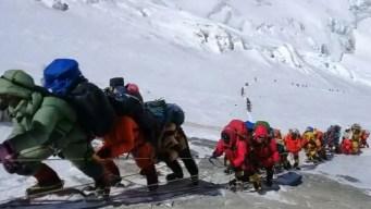 La cumbre de la muerte: por qué es tan letal el Everest