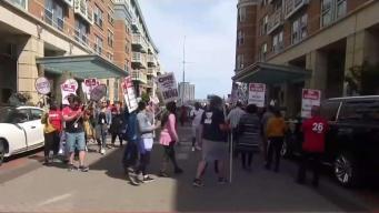 Empleados del hotel Wharf protestan por contratos