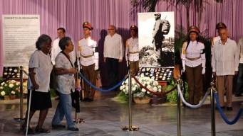 Cubanos lloran a Fidel Castro en La Habana