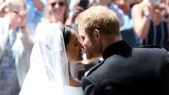 En video: Harry y Meghan se besan ante la mirada de todos