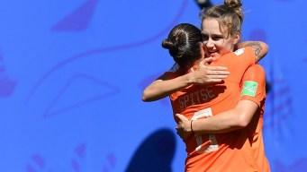 Vivianne Miedema adelanta a Holanda a falta de 20 minutos para el final