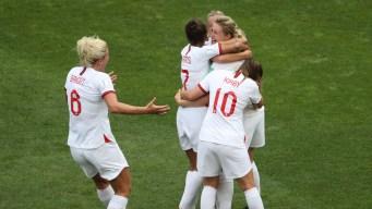Inglaterra le gana 3-0 a Camerún y pasa a cuartos