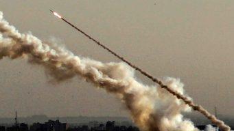 Palestinos lanzan misiles; Israel responde con bombazos