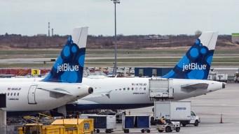 Pasajera supuestamente ebria provoca el desvío de un vuelo