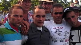Cubano angustiado por sus hermanos en Cuba