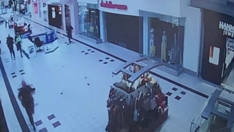 Reporte de hombre armado genera pánico en centro comercial