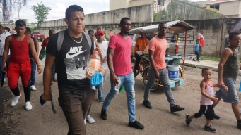 Migrantes varados marcharán hacia la capital mexicana
