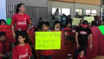 AMLO pide ser razonable en demandas salariales