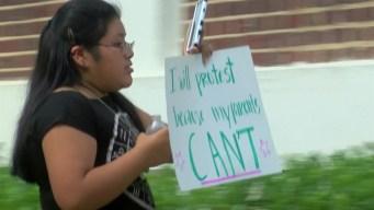 Niños piden que ICE libere a sus padres