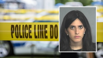 Acusan a madre de bebé que murió encerrada en vehículo