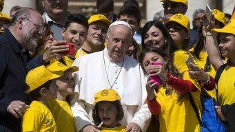 El Papa decreta medidas para combatir abusos sexuales
