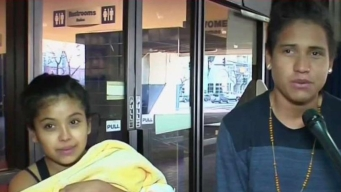 Pareja de jóvenes migrantes llega a Denver, Colorado