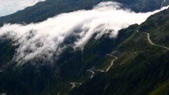 """Impresionante fenómeno en video: un """"río de nubes"""""""