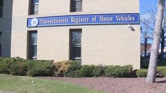 Massachusetts suspende 1000 licencias tras revisión al RMV