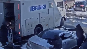 En video: el audaz asalto de un camión blindado lleno de dinero