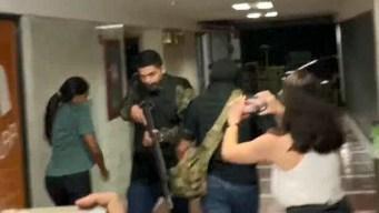 Encapuchados entran a sede de partido de Juan Guaidó