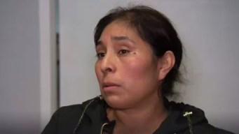 Cocinera dice que la despidieron por no hablar inglés