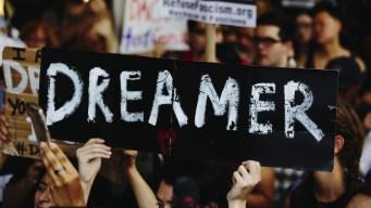 Trump presiona al Tribunal Supremo sobre DACA