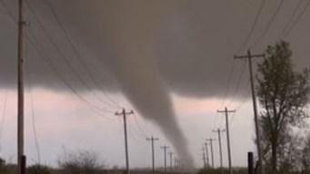 Viudo revela video del tornado que mató a su esposa