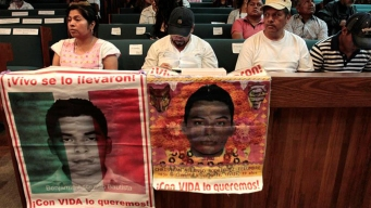 """Padres de Ayotzinapa: """"nos vamos muriendo de a poco"""""""
